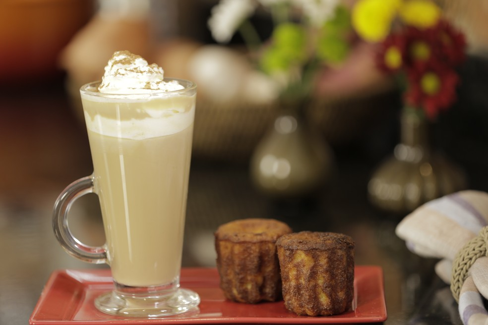 Read more about the article Cachaça ao capuccino com chantilly