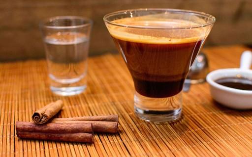 Read more about the article Drink de inverno com cachaça